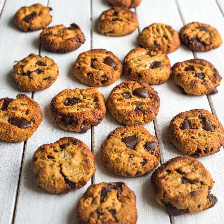 Choc Almond Cookies (4 of 1)